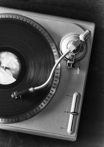 vinyl-player-2-1413480-m